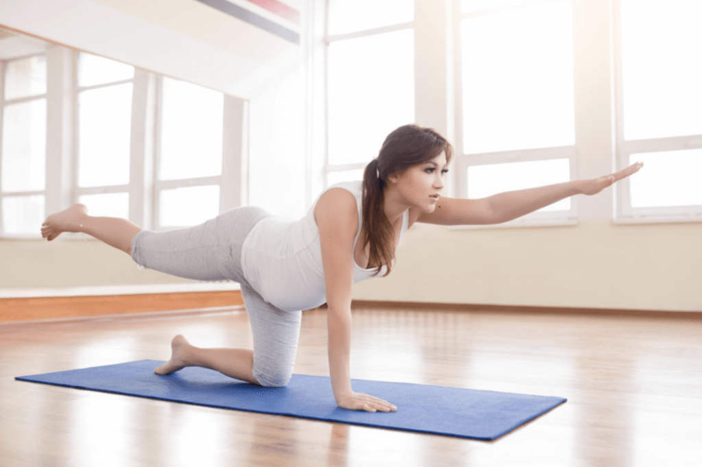 postura de yoga premama